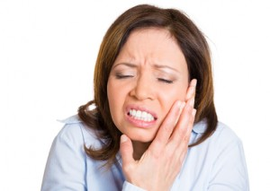 lower denture pain